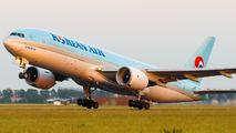 HL7530 - Korean Air Boeing 777-200 aircraft