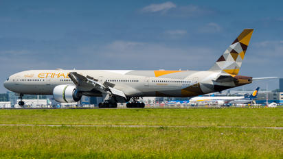 A6-ETD - Etihad Airways Boeing 777-300ER