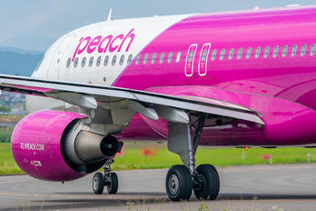 JA815P - Peach Aviation Airbus A320