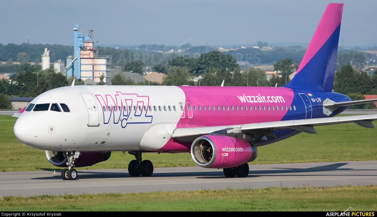 Wizz Air HA-LPK aircraft at Gdańsk - Lech Wałęsa