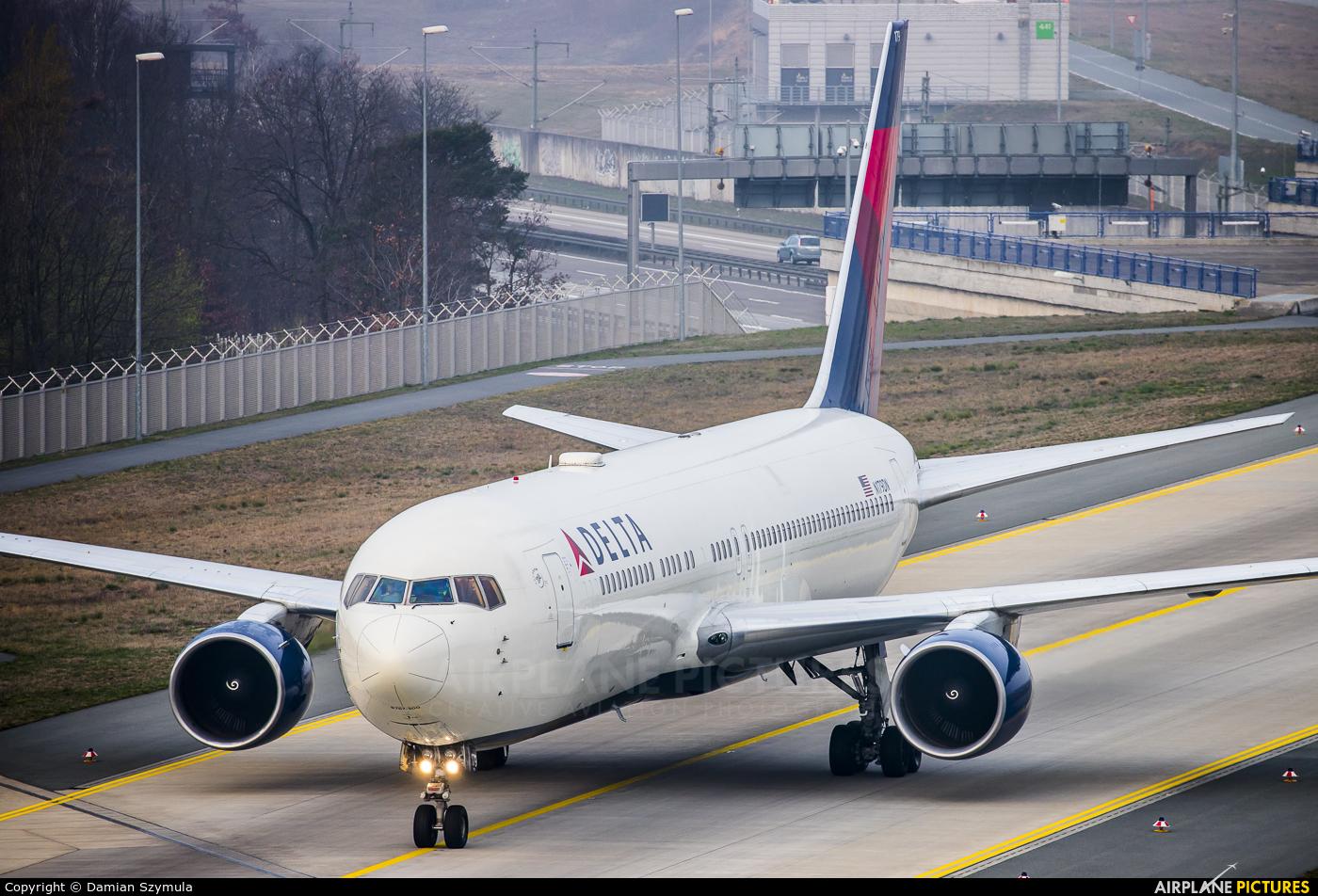 Delta Air Lines N179DN aircraft at Frankfurt
