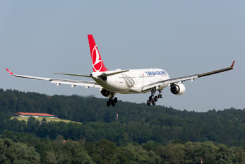 TC-JNA - Turkish Airlines Airbus A330-200