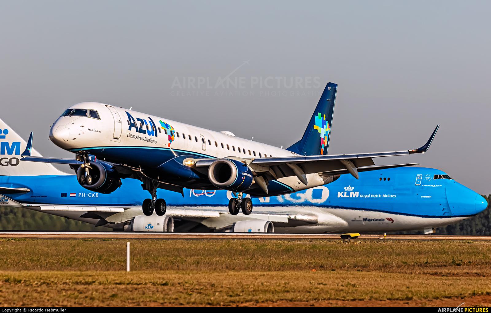 Azul Linhas Aéreas PR-AYE aircraft at Campinas - Viracopos Intl