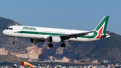 EI-IXJ - Alitalia Airbus A321