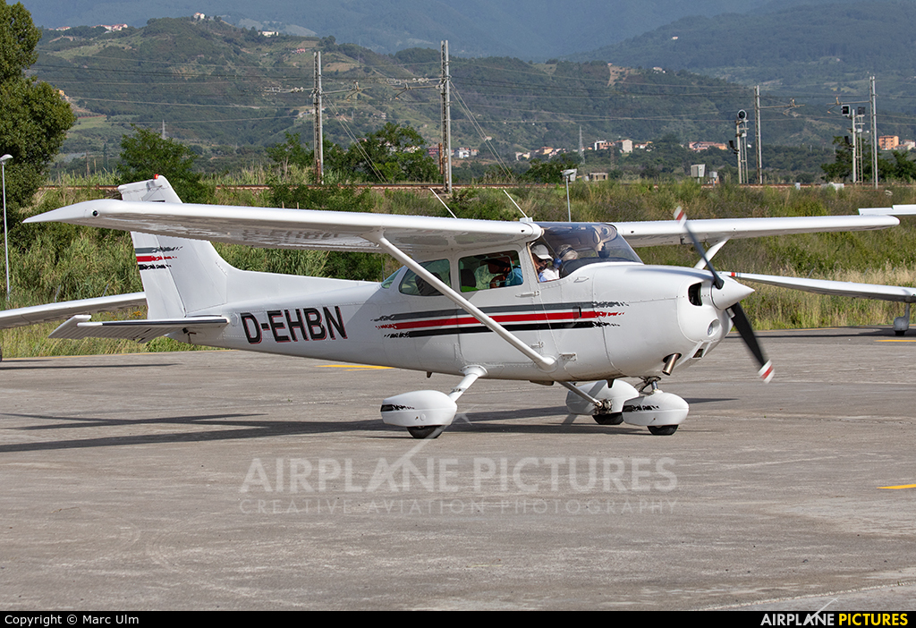 Private D-EHBN aircraft at Aviosuperficie Scalea