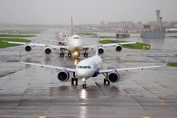 VT-IZS - IndiGo Airbus A320 NEO
