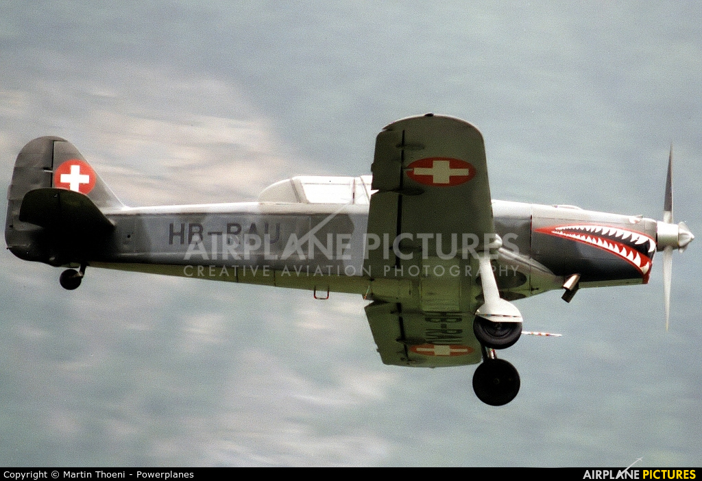 Private HB-RAU aircraft at Mollis