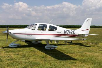 N742C - Private Cirrus SR20