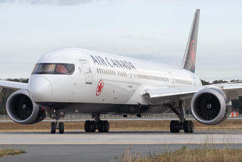 C-FVLQ - Air Canada Boeing 787-9 Dreamliner