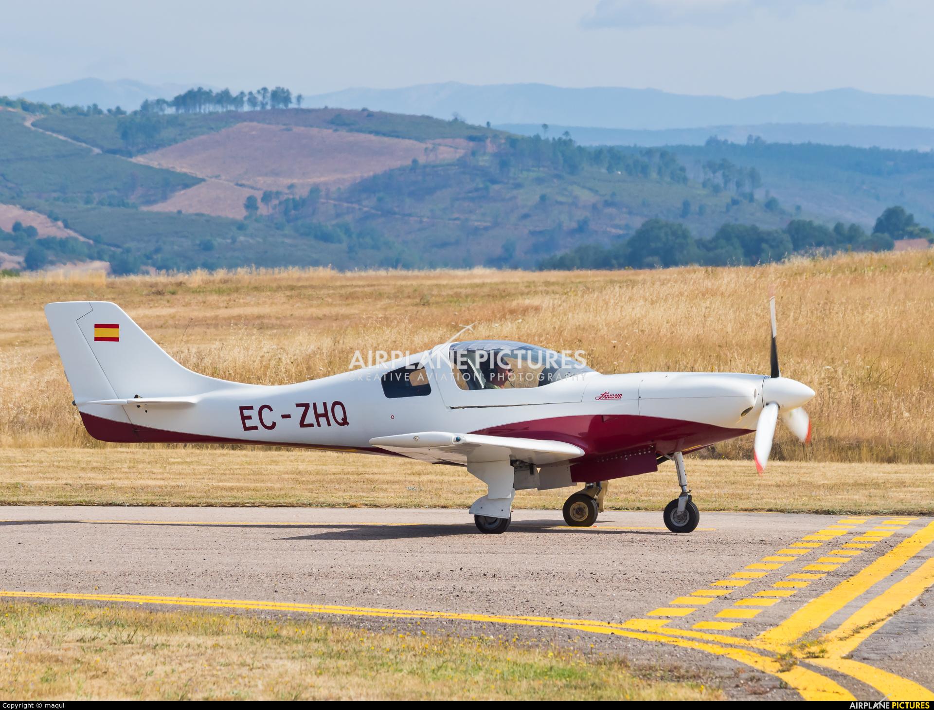 Private EC-ZHQ aircraft at Bragança