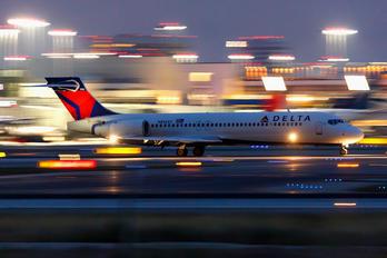 N892AT - Delta Air Lines Boeing 717