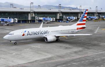 N813NN - American Airlines Boeing 737-800