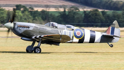 G-LFIX - Private Supermarine Spitfire T.9