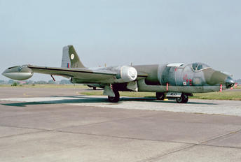 WE113 - Royal Air Force English Electric Canberra B.2