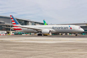 N829AN - American Airlines Boeing 787-9 Dreamliner