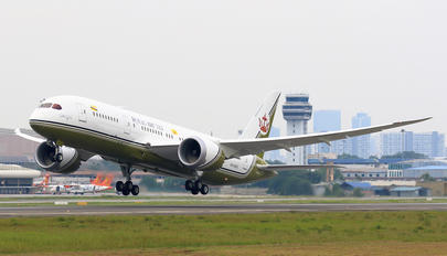 V8-OAS - Brunei Government Boeing 787-8 Dreamliner