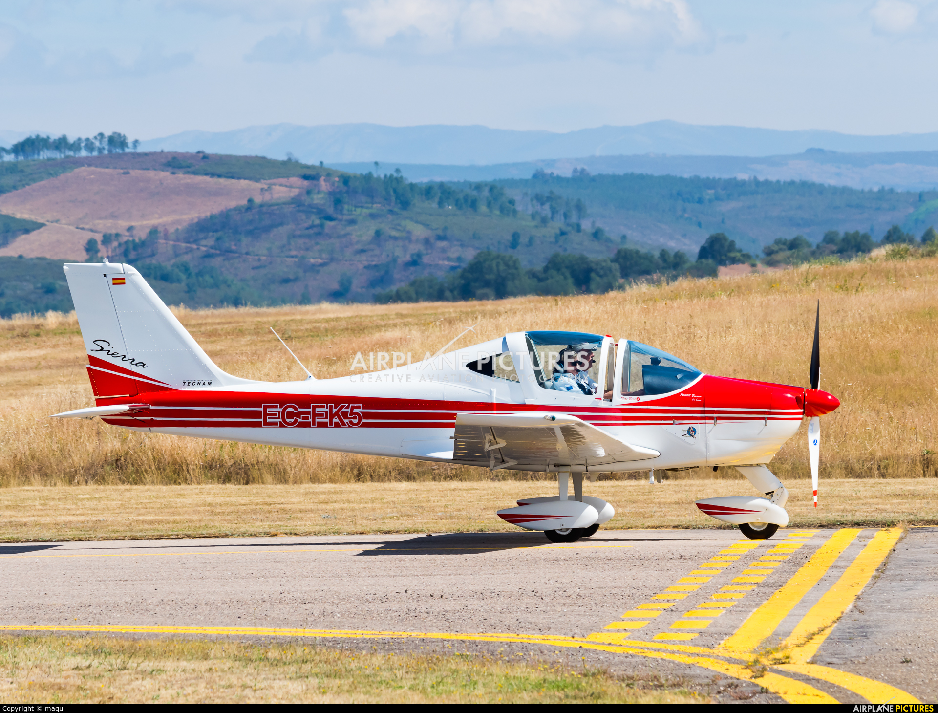 Private EC-FK5 aircraft at Bragança
