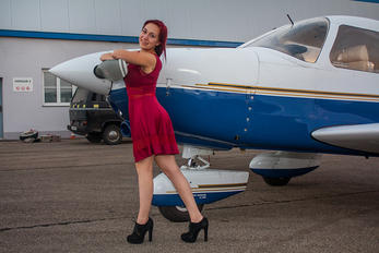 - - Private Piper PA-28 Archer