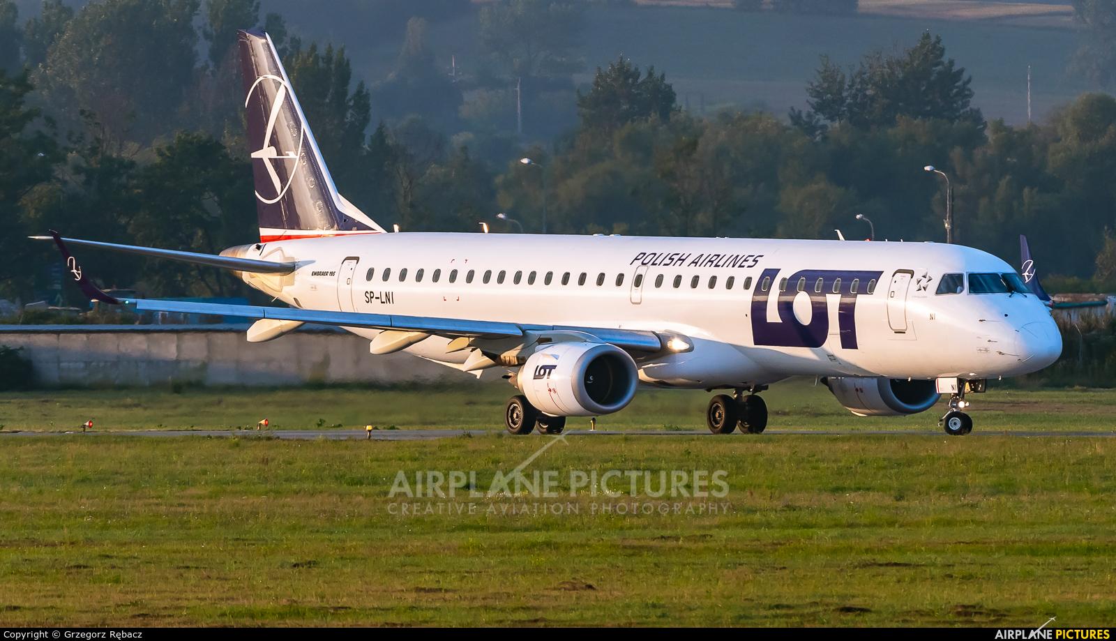 LOT - Polish Airlines SP-LNI aircraft at Kraków - John Paul II Intl