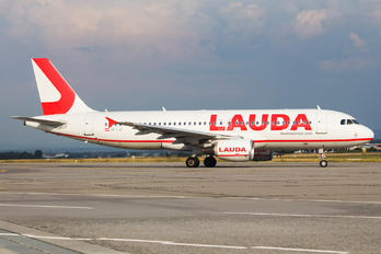 OE-LOI - LaudaMotion Airbus A320