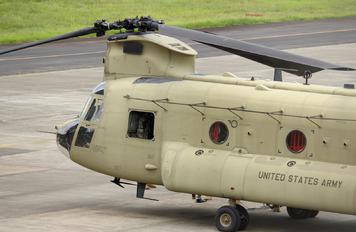 12-08113 - USA - Army Boeing CH-47C Chinook