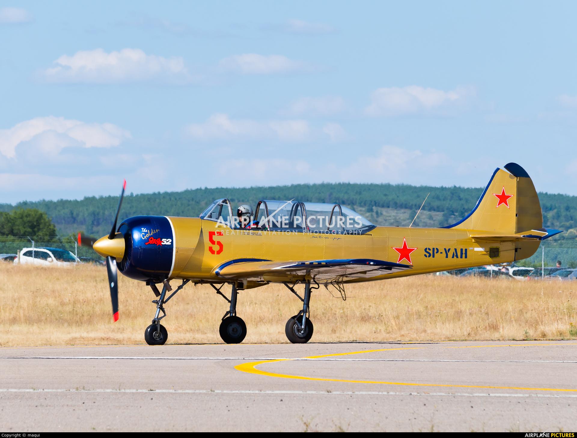 Yakstars SP-YAH aircraft at Bragança