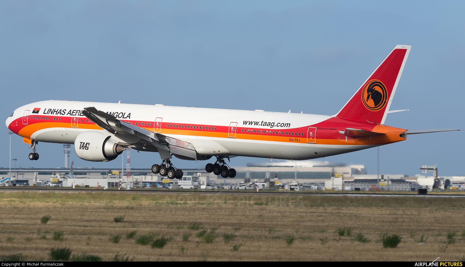 TAAG - Angola Airlines D2-TEJ aircraft at Lisbon