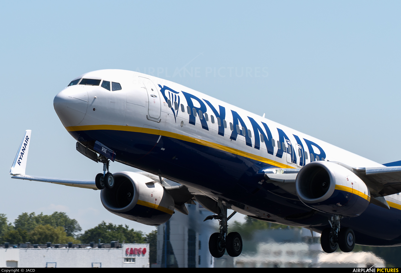 Ryanair Sun SP-RSE aircraft at Wrocław - Copernicus