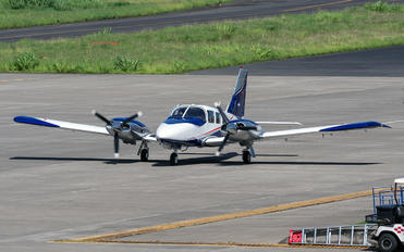TI-FRN - Private Piper PA-34 Seneca