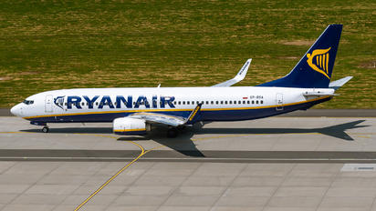 SP-RSA - Ryanair Sun Boeing 737-8AS