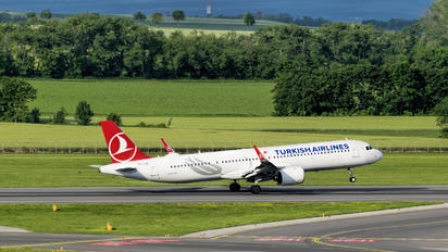 TC-LSB - Turkish Airlines Airbus A321 NEO