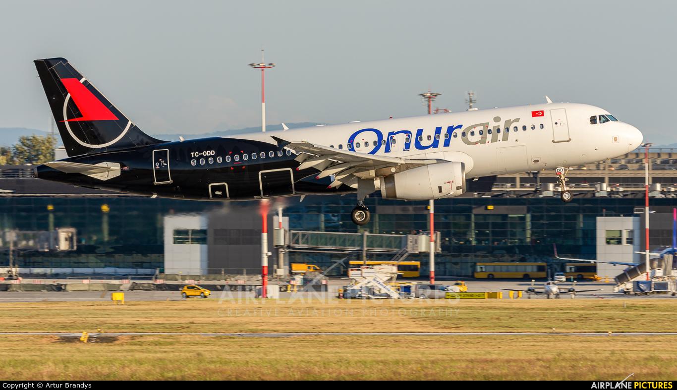 Onur Air TC-ODD aircraft at Kraków - John Paul II Intl