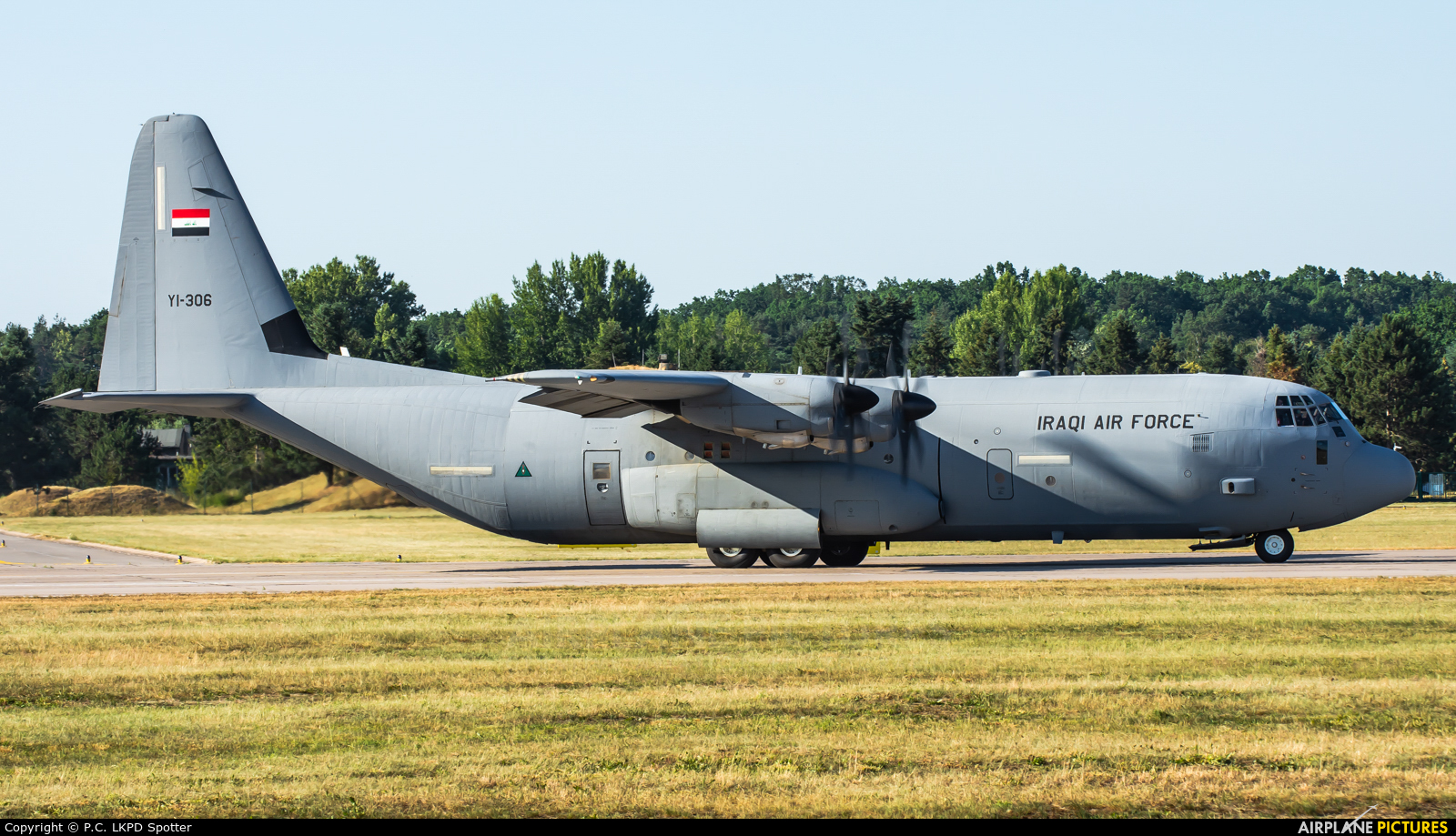 Iraq - Air Force YI-306 aircraft at Pardubice