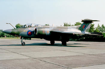 XV869 - Royal Air Force Blackburn Buccaneer S.2B