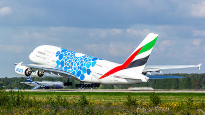 A6-EOF - Emirates Airlines Airbus A380