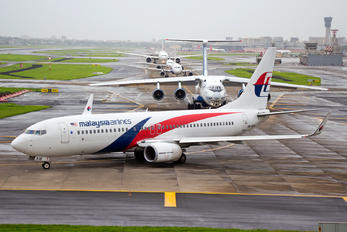 9M-MXW - Malaysia Airlines Boeing 737-800