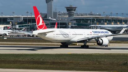 TC-JJE - Turkish Airlines Boeing 777-300ER