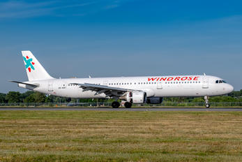 UR-WRT - Windrose Air Airbus A321