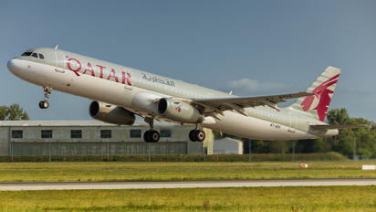 A7-ADV - Qatar Airways Airbus A321