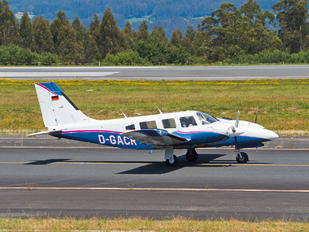 D-GACR - Private Piper PA-34 Seneca