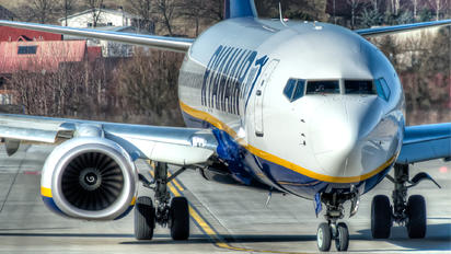 EI-FZB - Ryanair Boeing 737-8AS