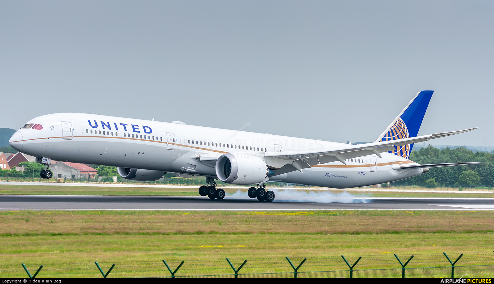 United Airlines N17002 aircraft at Brussels - Zaventem