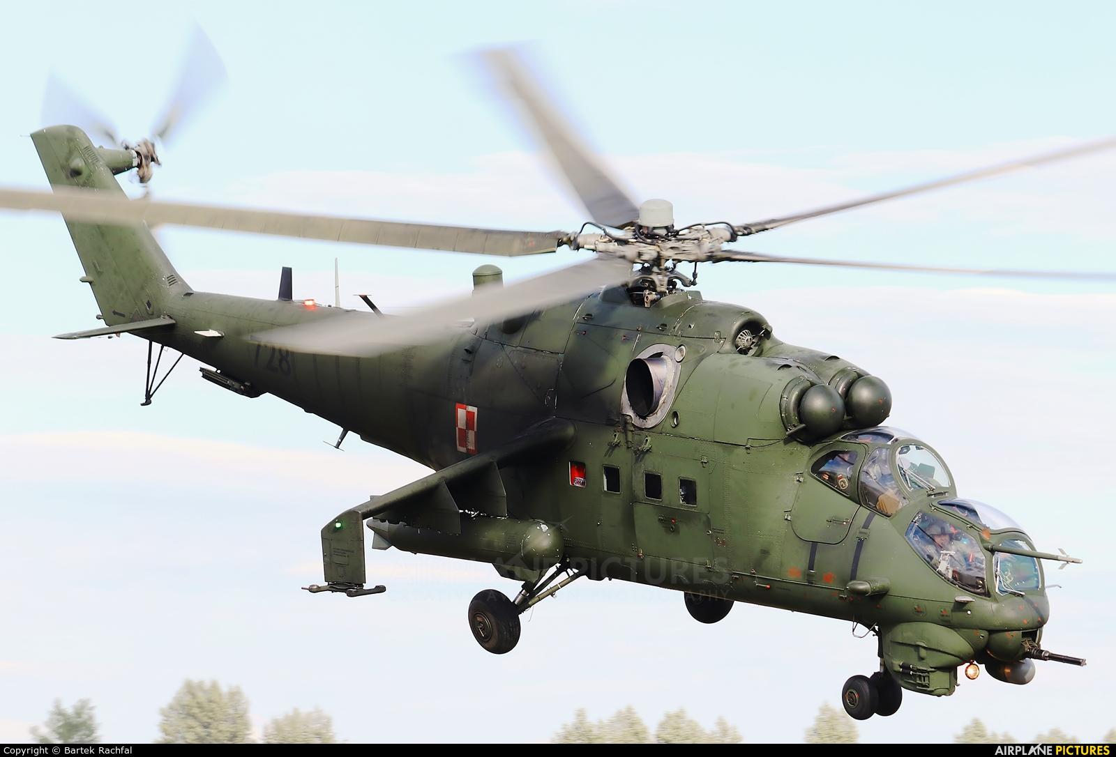 Poland - Army 728 aircraft at Nowy Targ