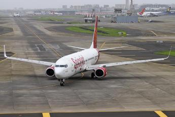 VT-SLC - SpiceJet Boeing 737-900ER