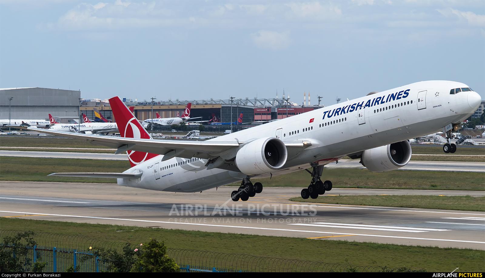 Turkish Airlines TC-JJY aircraft at Istanbul - Ataturk