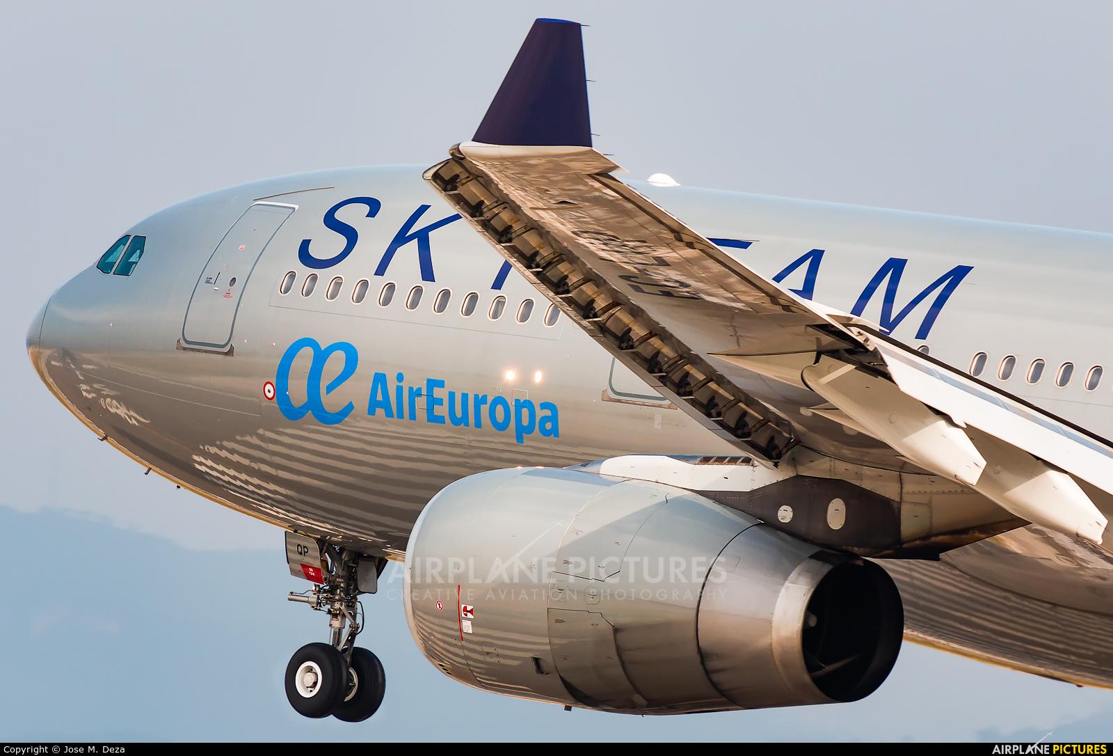 Air Europa EC-LQP aircraft at Barcelona - El Prat