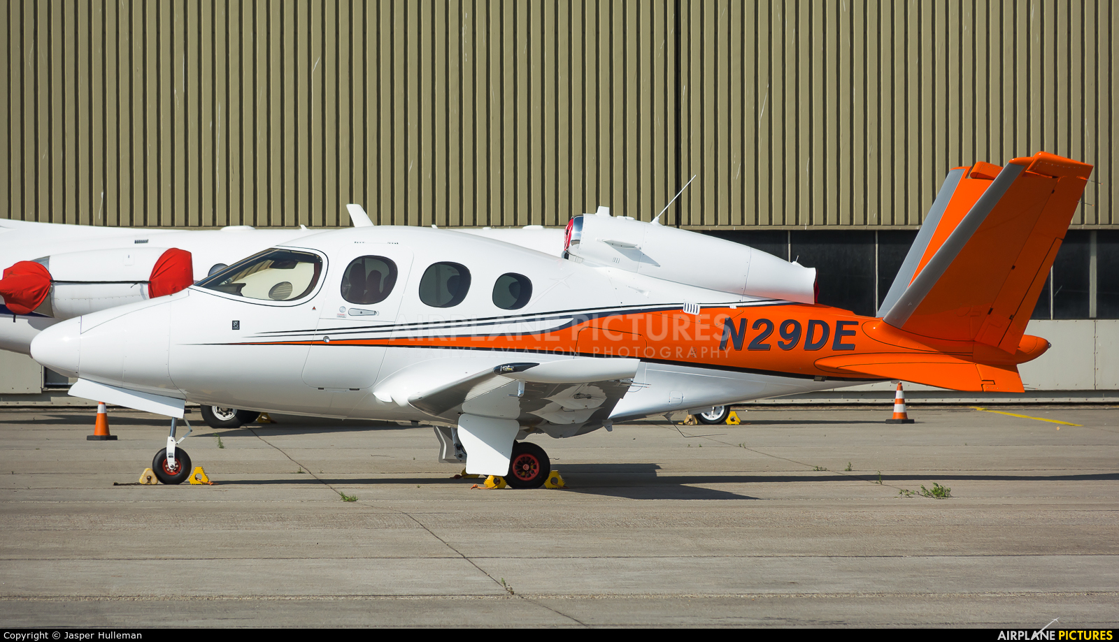 Private N29DE aircraft at Amsterdam - Schiphol