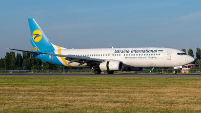UR-PSD - Ukraine International Airlines Boeing 737-800
