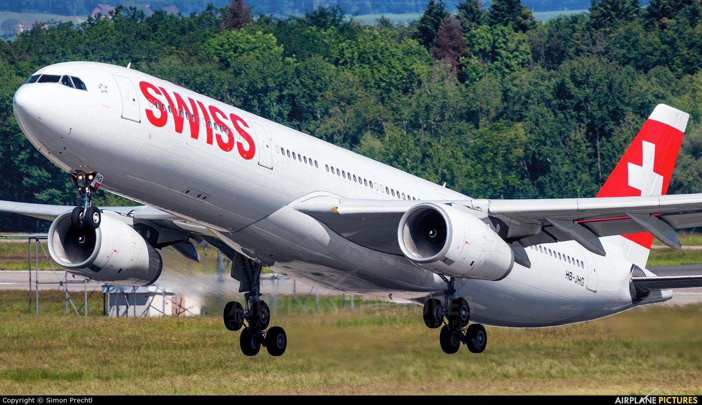 Swiss HB-JHG aircraft at Zurich