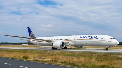N12006 - United Airlines Boeing 787-10 Dreamliner